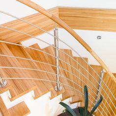 Stiegenverkleidung mit Edelstahlgeländer Crafts, Home Decor, Laminate Hardwood Flooring, Panelling, Steel, Timber Wood, Manualidades, Decoration Home, Room Decor