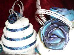 MAORI/ FLAX & PAUA THEMED WEDDING CAKE. Paua is unique to New Zealand. The most colourful species of Abalone.Flax (harakeke) specially woven by Maori Women. www.frescofoods.co.nz Email: fresco@woosh.co.nz Wedding cakes in Auckland New Zealand Blue Wedding, Dream Wedding, Wedding Dreams, Wedding Stuff, 70th Birthday, Birthday Cakes, Birthday Ideas, Island Cake, Flax Flowers