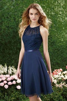 Robe bleu marine col illusion en dentelle au genou pour cocktail mariage