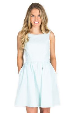 The Emerson - Mint http://www.laurenjames.com/collections/spring-2015-dresses/products/emerson-seersucker-dress