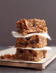Bran Flake Bars | Systrarna Eisenman Lund, Recipe Icon, Breakfast Bars, Flakes, Banana Bread, Treats, Desserts, Sweet Like Candy, Postres