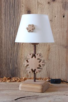 Snowflake Medium size Table lamp Bio Larch with or without basic / custom lampshade
