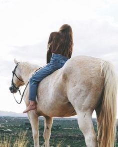 The most important role of equestrian clothing is for security Although horses can be trained they can be unforeseeable when provoked. Riders are susceptible while riding and handling horses, espec… Cute Horses, Pretty Horses, Horse Love, Beautiful Horses, Bareback Riding, Horse Riding, Trail Riding, Horse Photos, Horse Pictures