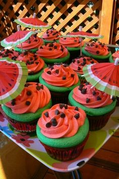 65 Ideas Cupcakes Decorados Aniversario For 2019 Watermelon Birthday Parties, Fruit Party, Snacks Für Party, Luau Party, Birthday Party Themes, Fruit Birthday, Watermelon Party Decorations, Hawaiian Party Decorations, Summer Birthday