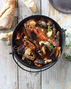 SEAFOOD POTJIE - A South African inspired seafood stew with hake, prawns and fresh black mussels. Fish Recipes, Seafood Recipes, Vegetarian Recipes, Healthy Recipes, Recipies, Seafood Stew, Fish And Seafood, South African Recipes, Ethnic Recipes
