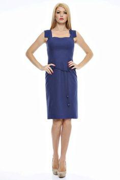 Rochie in uni deschisa baza, cu siret bile pe sold. Uni, Dresses For Work, Fashion, Moda, Fashion Styles, Fashion Illustrations