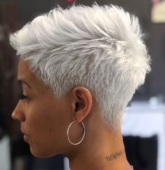 Short Grey Hair, Short Blonde, Short Hair Cuts, Short Hair Styles, Pixie Cuts, Blonde Hair, Short Pixie Haircuts, Pixie Hairstyles, Short Hairstyles For Women