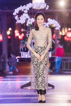 áo dài + sao Việt
