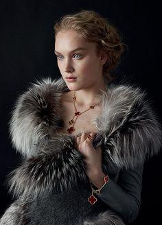 New Jewerly Advertising Ideas Van Cleef Arpels Ideas Van Cleef And Arpels Jewelry, Van Cleef Arpels, High Jewelry, Jewelry Art, Jewelry Design, Tiffany Charm Bracelets, Van Cleef Alhambra, Shield Maiden, Portraits