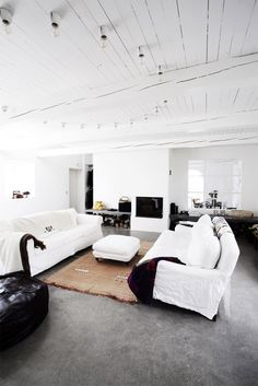 white. woodenplanked. ceiling.