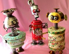 Robots made from recycled materials. Found Object Art, Found Art, Art Object, Recycled Robot, Recycled Art, Recycled Materials, Tin Can Crafts, Arts And Crafts, Tin Can Art