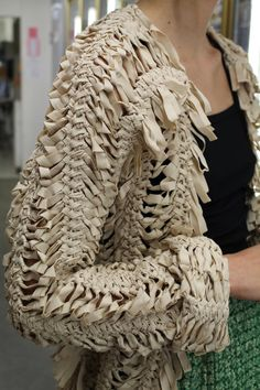 A Détacher Jezebel Jacket Ecru Couture Details, Fashion Details, Fashion Design, Textiles, Hairpin Lace, Crochet Capas, Fabric Manipulation, Knitwear, Cool Outfits