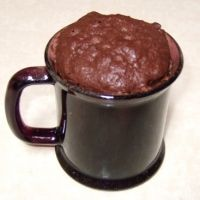 quck easy and satisfies that chocolate sweet craving. Chocolate mug cake Mug Recipes, Cake Recipes, Dessert Recipes, Desserts, Paleo Dessert, Tea Cakes, Cupcake Cakes, Cupcake Ideas, Microwave Cake