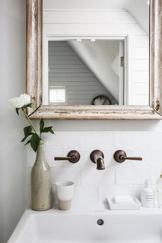 Gallery: Anton & K — Elle Decoration Country and You Magazine on Emma Lewis Photography French Country Interiors, Cottage Interiors, French Country Style, French Country Decorating, Country Bathroom Mirrors, Country Style Bathrooms, Anton, Emma Lewis, Country Style Magazine