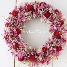 Flower Wreath Funeral, Holiday Wreaths, Holiday Decor, How To Make Wreaths, Dried Flowers, Floral Arrangements, Floral Wreath, Pink, Handmade