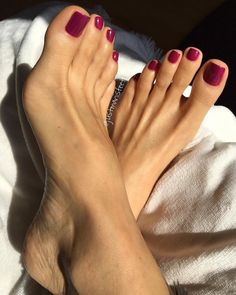 Long sexy painted toes