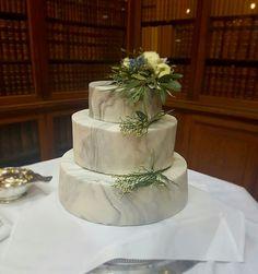 Marble homemade wedding cake. Winter wedding, grey themed. DIY wedding cake for wedding at Royal College of Physicians of Edinburgh. Marble fondant
