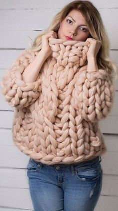 Chunky Knitting Patterns is finest for newcomers Tremendous Chunky Pullover Sweater Knitted Jumper Chunky Thick Sweaters, Winter Sweaters, Wool Sweaters, Sweaters For Women, Big Knits, Chunky Knitting Patterns, Pullover Mode, Chunky Yarn, Chunky Knits