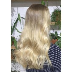    Buttery blonde    Freehand balayage with @lakmecolour k.blonde & 9% + the incredible @olaplexau    Toned with 10/30 0/00 + pearl    Styled out using evo hair easy tiger + the Cloud Nine Australia waving wand on 180degrees roughly alternating the direction of my deep vertical sections    #edwardsandcomelbourne #edwardsandco #teneilerobinsonhair #blondehair #balayge #maneenvy #melbournehairdresser #healthyhair #blonde #lakme #olaplex #evohair #cloudnineoz (at Edwards and Co. Melbourne)