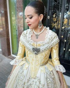 Traditional Fashion, Traditional Dresses, 18th Century Clothing, Gothic Wedding, Historical Costume, Anarkali, Formal Dresses, Wedding Dresses, Gowns