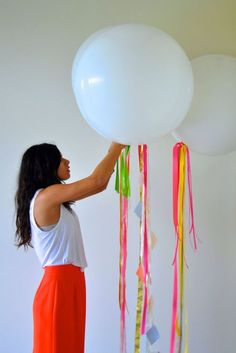 Camille Styles Balloons Colorful DIY Streamers party decor portrait - camille styles events attached to pews Homemade Birthday Decorations, Balloon Decorations Party, Picnic Decorations, Balloon Backdrop, Balloon Ideas, Big Balloons, White Balloons, Round Balloons, Diy Ribbon