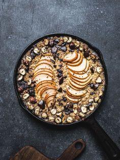 Baked Pear, Chocolate & Hazelnut Oatmeal {Vegan, GF}