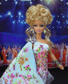 OOAK Barbie NiniMomo's Miss Kentucky 2009