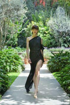 #MBFWMx #ManejaMéxico One Shoulder, Shoulder Dress, Formal Dresses, Fashion, Dresses For Formal, Moda, Formal Gowns, Fashion Styles, Formal Dress