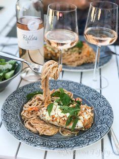 Kyckling med pesto och fetaost i krämig pastasås - Johanna Toftby Instagram Feed, Foodies, Food And Drink, Tack, Baking, Healthy, Ethnic Recipes, Dinner Ideas, Om