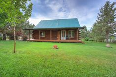 FRESH LISTING: 8095 Sand Ridge, Terrebonne OR 97760 >> Enjoy living at the edge of BLM with amazing Cascade Views. Well kept log home has rustic appeal with modern amenities // Fred Real Estate Group // hello@fredrealestate.com // BuyAHomeInBend.com // #RealEstate #CentralOregon