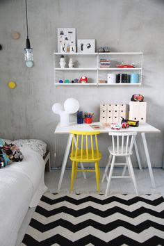mommo design: YELLOW LOVE - I've got a thing about concrete walls at the mo, love the flashes of bright yellow juxtaposed against it in this kids room Kids Workspace, Deco Kids, Kid Desk, Homework Desk, Deco Design, Kid Spaces, Room Decor, Interior Design, Kids Rooms