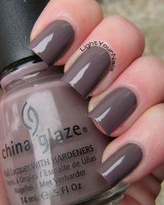 China Glaze Below Deck #nails #nailpolish #taupe #chinaglaze #smalti #unghie