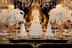 Mesa clássica de doces para casamento - Casamento Rafaelle Ruhle e Thiago Marques - Foto Agência Pezzi