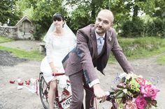 So cute! They rode off on their bike (photo by Jennifer Langridge Photography)