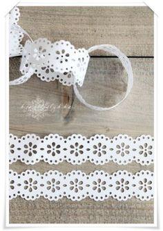 Lacy paper chains #garland# starched ribbon decor#wedding# birthday# party#girl# white#Communion#DIY# ++  GUIRNALDA CADENA  PAPEL BLANCO ENCAJE #CINTA # BAUTIZO# BODA#COMUNION#FIESTA #CUMPLEAÑOS#ANIVERSARIO# DECORACION#MANUALIDAD# BLANCA