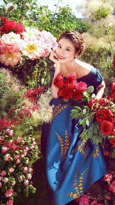 Beautiful Rose Flowers, Beautiful Hijab, Beautiful Long Hair, Beautiful Person, Most Beautiful Women, Double Exposition, Belle Photo, Pretty Woman, Photos