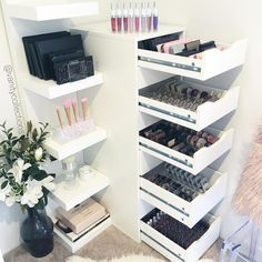 Vanity Collections For all your makeup storage needs Perth WA Based Online Sto… Makeup & Hair Ideas: . Vanity Collections For all your makeup storage needs Perth WA Based Online Sto Make Up Tisch, Rangement Makeup, Vanity Organization, Organization Ideas, Storage Ideas, Ikea Makeup Storage, Makeup Drawer, Storage Drawers, Storage Containers