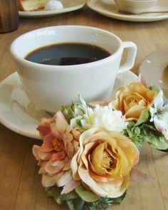 cup Coffee Club, Coffee Art, Coffee Break, I Love Coffee, Best Coffee, My Coffee, Good Morning Coffee, Gd Morning, Coffee Drinkers