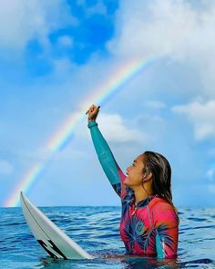 The rainbow is alway after the storm. Hawaii Pictures, Poses For Pictures, Pictures Of People, Weekend Vibes, Summer Vibes, Oahu Luau, Surf Room, Hawaiian Girls, Surf Trip