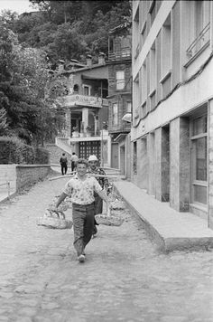 Tarabya, 1960'lar #birzamanlar #nostalji #istanlook Old Pictures, Old Photos, Shopping Street, Historical Pictures, Albania, Once Upon A Time, Istanbul, Past, Street View