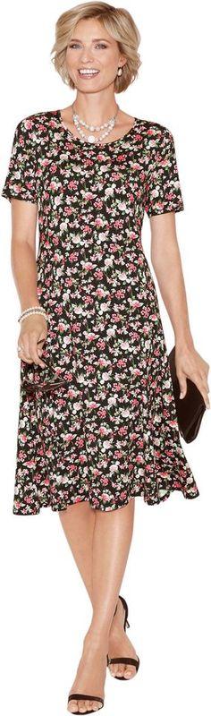 Classic Jersey-Kleid mit weit schwingender Silhouette ab 54,99€. Floral bedrucktes Jersey-Kleid, Viskose, Elasthan, Figurumschmeichelnde Form, Kurzarm bei OTTO
