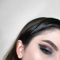 WEBSTA @ selenaartistry - i used the @katvondbeauty metal matte palette for the first time today and I'm fucking obsessed with it !!!! It's so pigmented and all the colors blend so beautifully .EYES: @katvondbeauty @thekatvond metal matte palette and @limecrime unicorn lipstick for eyeliner.BROWS: @anastasiabeverlyhills @norvina dipbrow pomade in 'medium brown' and @nyxcosmetics control freak brow gel.LASHES: @velourlashesoffical in 'fluff n thick'.HIGHLIGHT: @anastasiabeverlyhills gle...