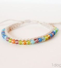 Crochet Beaded Friendship Bracelet | www.1dogwoof.com | #freepattern #gift #Christmas