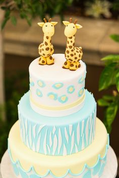 Two of our favorite Four Seasons Los Angeles twins had their cake and ate it too! Image by @Jennifer Bell with the Mostess #cake #BirthdayParty