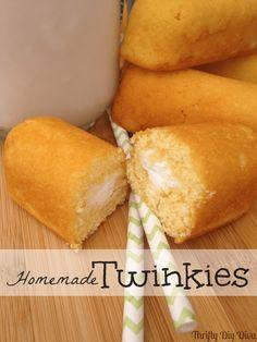 DIY Homemade Twinkies Recipe on Yummly. Twinkie Cake Recipes, Twinkie Recipe, Twinkie Desserts, Vanilla Desserts, Frosting Recipes, Just Desserts, Delicious Desserts, Dessert Recipes, Pastries