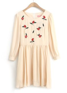 Beige Long Sleeve Rose Embroidered Pleated Dress EUR€17.70