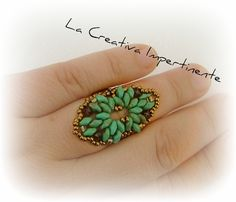 "La Creativa Impertinente: Anteprima ""Tutorial Anello Hombre: realizzato con superduo e dedicato a me!"";  English pattern is available on my etsy shop  https://www.etsy.com/listing/161417604/tutorial-ring-and-bracelet-superduo?ref=listing-shop-header-0ref=listing-shop-header-0"