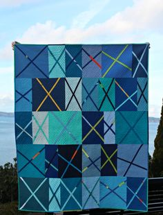 The X Marks the Improv quilt was such fun to make that I thought a block tutorial was in order. It& a great block if you& just begin. Quilting Tutorials, Quilting Projects, Quilting Designs, Quilting Ideas, Quilt Block Patterns, Quilt Blocks, Aqua Quilt, Cute Quilts, Quilt Top