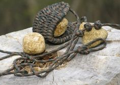 How To Make A Paracord Rock Sling...How To Make A Paracord Rock Sling