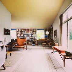 Home sweet home. Det er weekend, og Finn Juhls hus er åbent, så kig forbi! #finnjuhl #home #design #furniture #ordrupgaard #ordrupgaardsamlingen #museum. Ordrupgaard Museum.